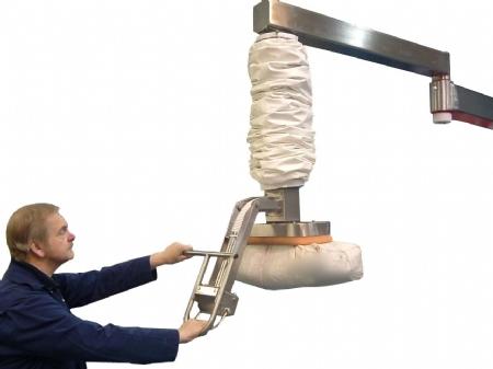 palpharma_palpharmavac_stainless steel sack lifter_flexible high liftingm1